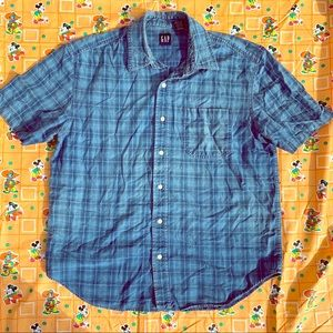 Vintage Gap shortsleeved shirt.